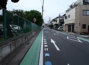 自転車通行標示